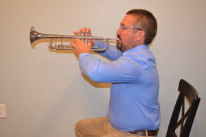 trumpet with fly away elbows