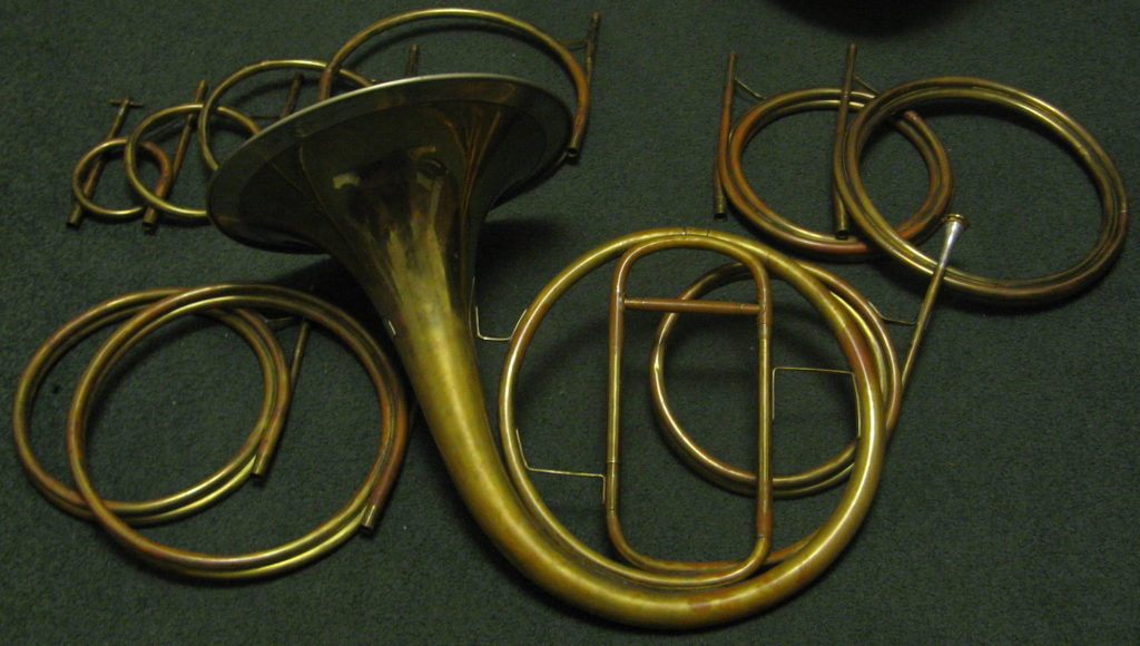 Natural horn with crooks